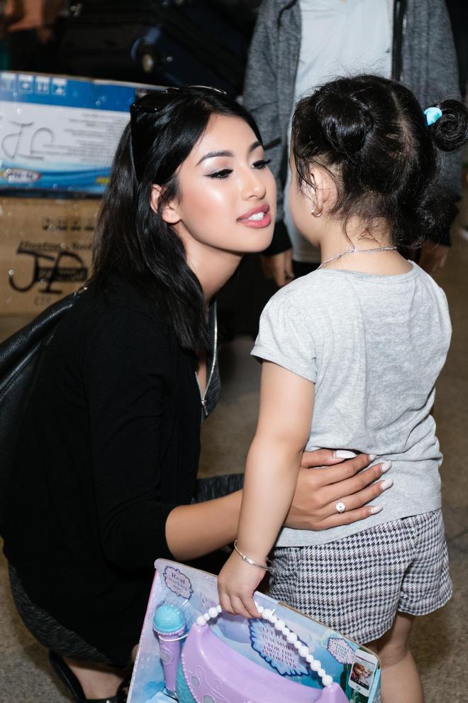 Xuất hiện ở VN, em gái Jennifer Phạm gây ngỡ ngàng vì vẻ xinh đẹp - Ảnh 5.