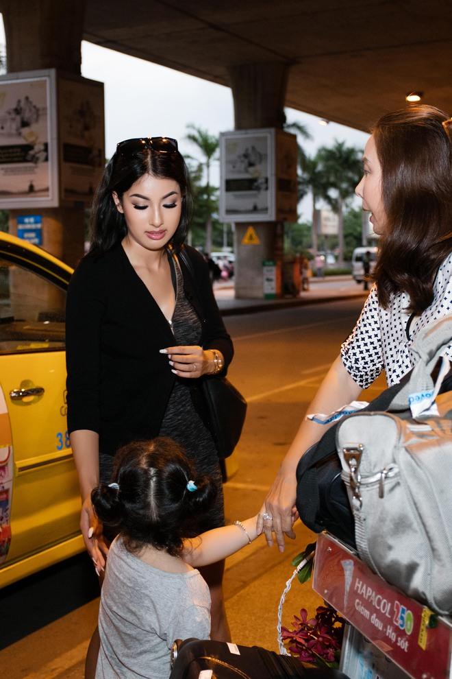 Xuất hiện ở VN, em gái Jennifer Phạm gây ngỡ ngàng vì vẻ xinh đẹp - Ảnh 14.