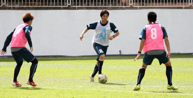 """Ẩn ý sau việc """"cấm"""" Tuấn Anh ghi bàn của Yokohama FC"""