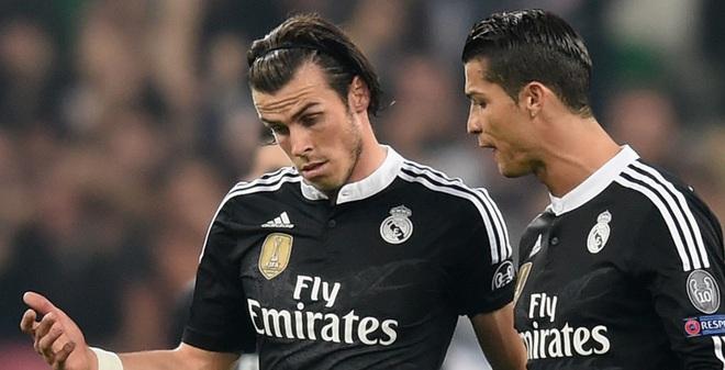 """Xứ Wales thắng """"sốc"""", đẩy Ronaldo vào thế khó"""