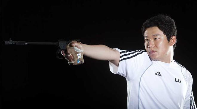 54 năm, thế giới chưa ai phá nổi kỷ lục của huyền thoại Trần Oanh - Ảnh 2.