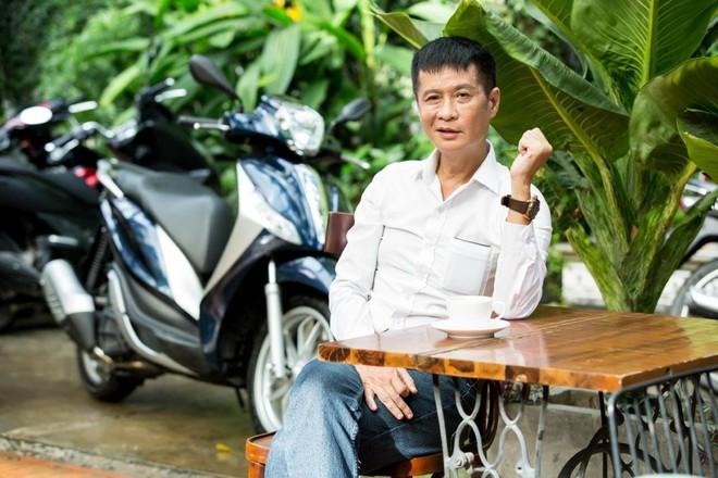 Lê Hoàng: Sẵn sàng bỏ xe hơi nhưng không chia tay xe máy - Ảnh 4.