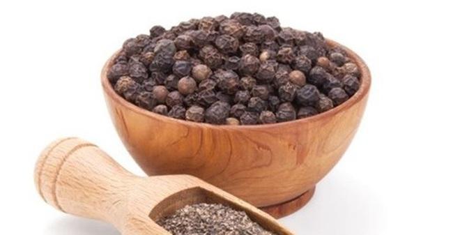 Lợi ích và tác dụng phụ của hạt tiêu đen
