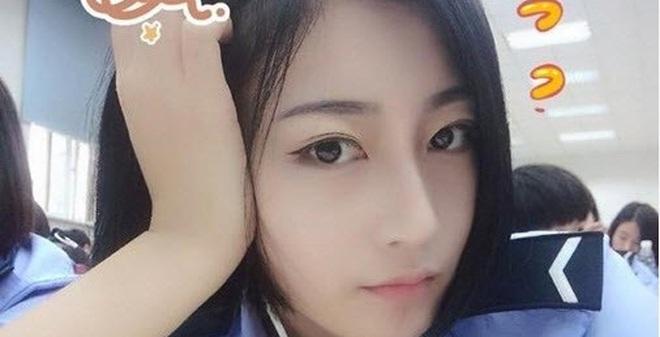 Gương mặt xinh đẹp không tì vết của nữ sinh cảnh sát gây bão dân mạng