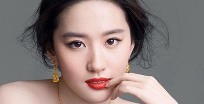 Những bức ảnh chứng minh nhan sắc sao nữ Hoa ngữ là nhờ gen tốt