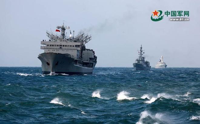"""Tướng hải quân TQ dằn mặt Trump: Bắc Kinh đã có vũ khí """"độc"""" trị tàu chiến Mỹ ở Biển Đông"""