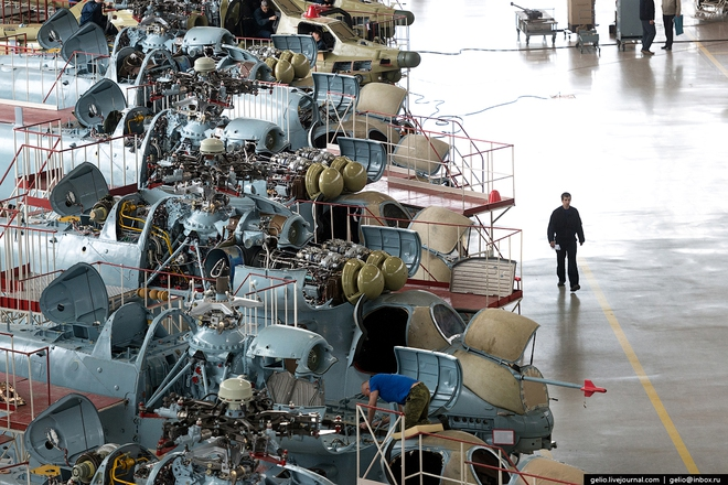 [ẢNH] Thăm nhà máy chế tạo Thợ săn đêm của Nga - Ảnh 10.