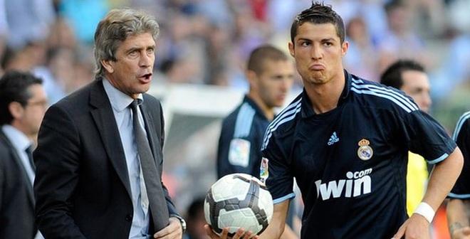 """Thầy cũ của Ronaldo sẽ """"hất cẳng"""" Real Madrid?"""