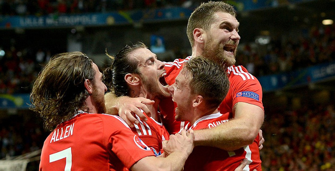 """Gareth Bale lặng tiếng, Wales ngược dòng gửi """"Quỷ đỏ"""" về nước"""
