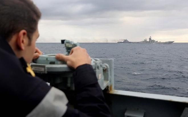 """""""Đối đầu Mỹ, đội tàu chiến Nga không thể trụ quá 50 phút"""""""