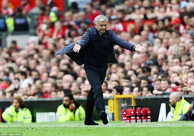 Mourinho sai lầm, Quỷ đỏ bất lực, Old Trafford thất thủ - Ảnh 18.