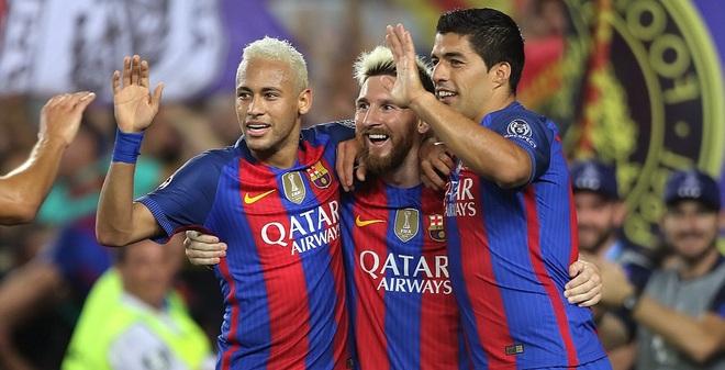 Messi vượt mặt Ronaldo trong ngày Barcelona thắng hủy diệt