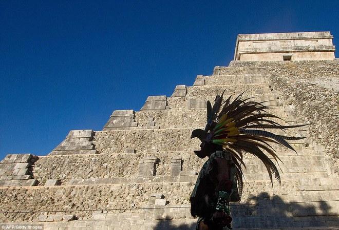 Phát hiện kim tự tháp ngầm bên trong một kim tự tháp khổng lồ của người Maya - Ảnh 1.