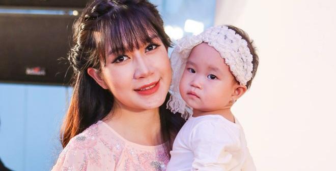 Bà xã Lý Hải khoe nhan sắc xinh đẹp khi mang bầu lần 4