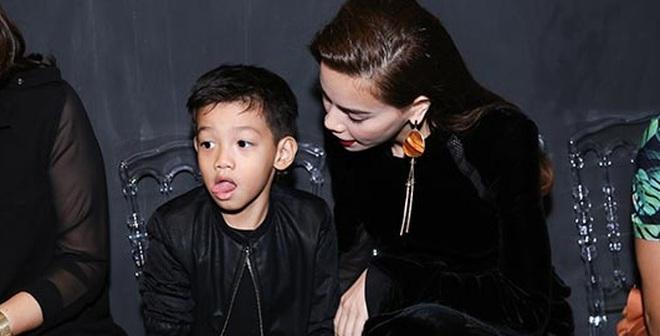 """Hồ Ngọc Hà xuất hiện cùng người con trai cô """"yêu"""" nhất"""