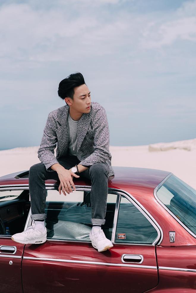 """Rocker Nguyễn khiến khán giả """"bấn loạn"""" khi lấn sân sang ca hát - Ảnh 4."""