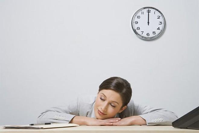 Từ tối nay phải nhớ: 30 phút sau bữa ăn, nhất thiết không được làm điều gì? - Ảnh 1.