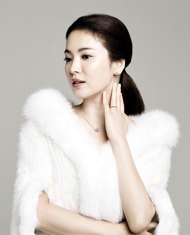 Vừa công khai hẹn hò Hyun Bin, Kang Sora đã bị so sánh với Song Hye Kyo - Ảnh 4.