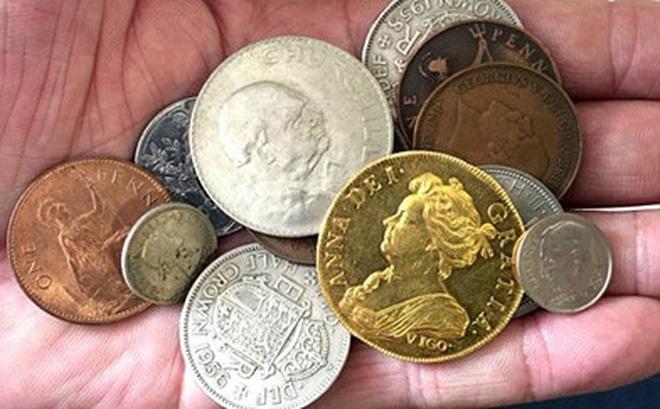 Đổi đời nhờ đồng xu trị giá 7 tỷ trong đống đồ chơi của con