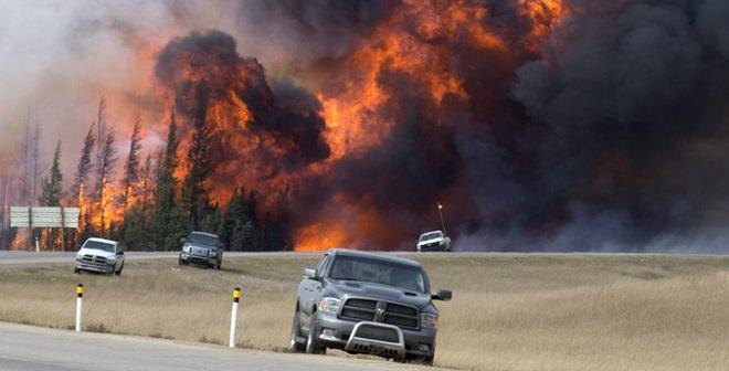 Các doanh nghiệp dầu mỏ sốt ruột do cháy rừng ở Canada