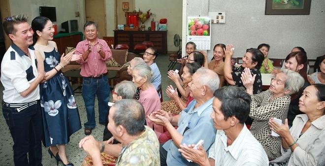 Đàm Vĩnh Hưng, Lệ Quyên tích cực làm việc thiện cuối năm