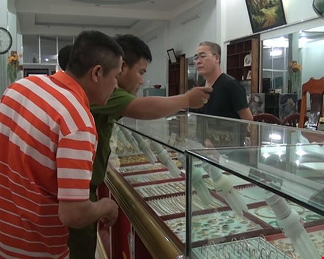 Nghi án tiệm vàng bị lấy trộm 30 lượng vàng lúc giữa trưa