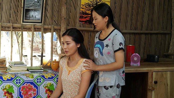 Cao Thái Hà bị tai nạn trên phim trường - Ảnh 9.