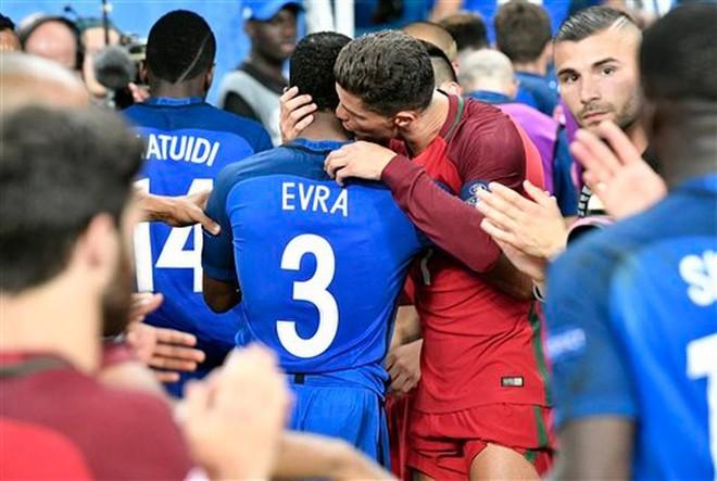 Hậu Euro: Khả năng thần kì của Ronaldo - Ảnh 2.