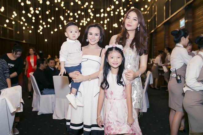 Trương Ngọc Ánh vui vẻ bên chồng cũ trong sinh nhật con gái - Ảnh 9.