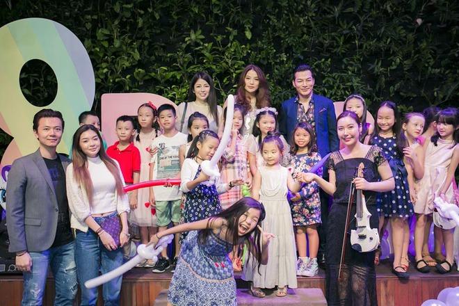 Trương Ngọc Ánh vui vẻ bên chồng cũ trong sinh nhật con gái - Ảnh 4.