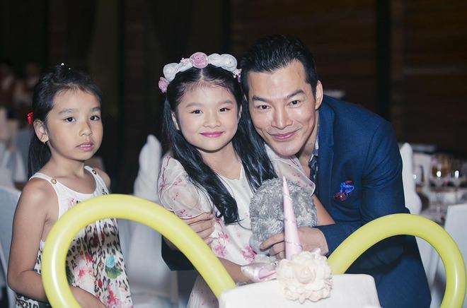 Trương Ngọc Ánh vui vẻ bên chồng cũ trong sinh nhật con gái - Ảnh 2.