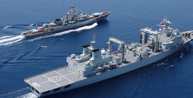 Vì sao Nga im lặng sau khi TQ báo tin tập trận chung ở biển Đông?