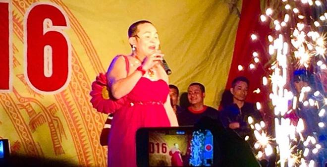 Clip Xuân Hinh giả gái uốn éo, hát chế nhạc Sơn Tùng MTP