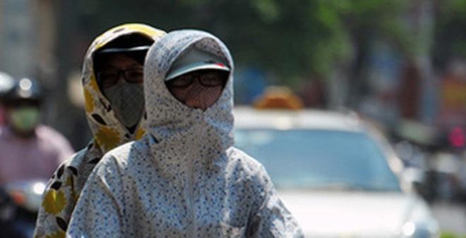 Những sự thật kinh hãi ẩn sau chiếc áo chống nắng không được giặt mỗi ngày