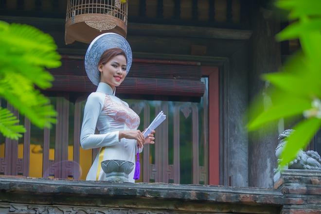 Nhan sắc chuẩn mực của kỳ nữ làng cổ-chứng - Ảnh 1.