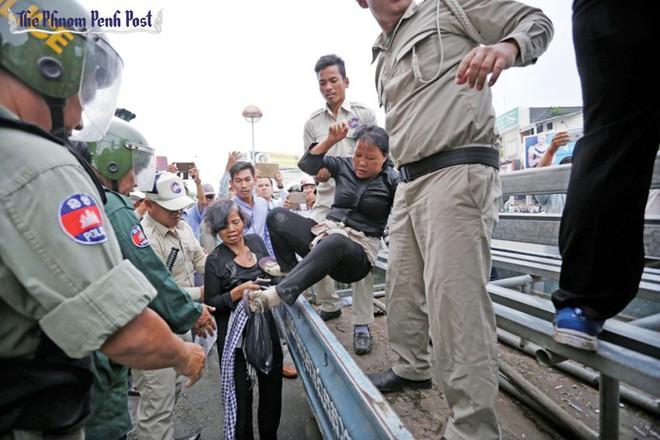 Quân đội Campuchia tuyên bố sẽ thẳng tay với CNRP - Ảnh 1.
