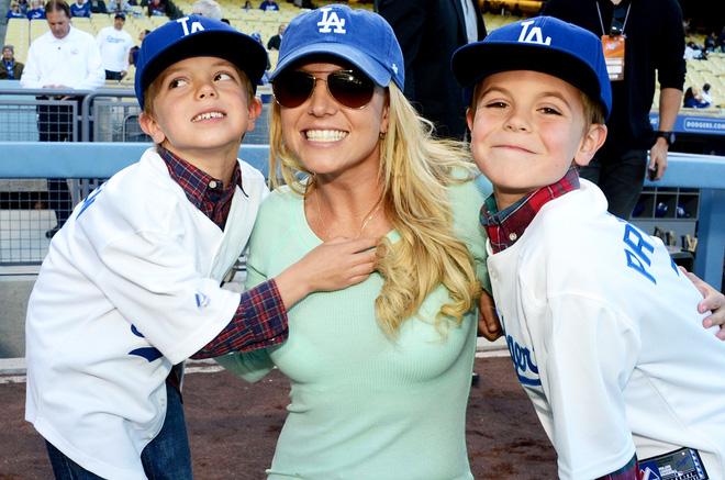 Hành trình đứng dậy sau scandal của Britney Spears - Ảnh 11.