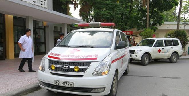 Xe cấp cứu, taxi độc quyền làm khó bệnh nhân