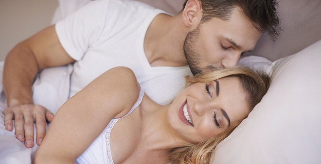 3 động tác mát xa trước khi ngủ giúp đời sống vợ chồng thăng hoa