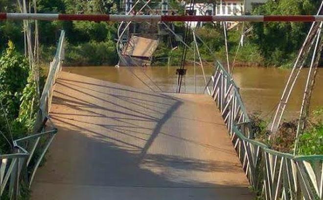 Sập cầu treo Tà Lài, 4 người rơi xuống sông Đồng Nai