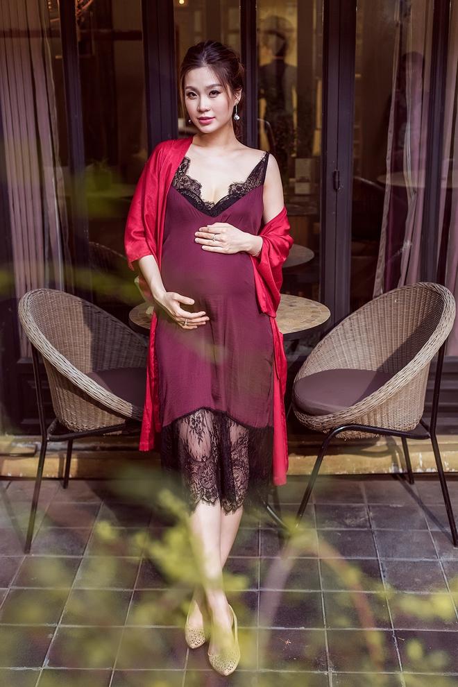 Á hậu Diễm Trang khoe vẻ gợi cảm trước ngày sinh nở - Ảnh 6.