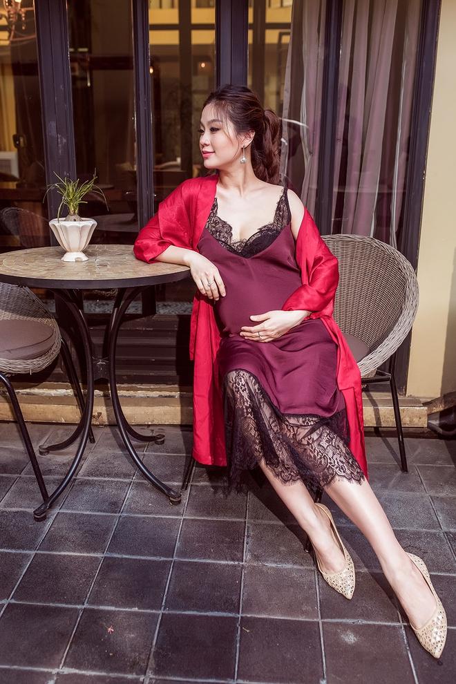 Á hậu Diễm Trang khoe vẻ gợi cảm trước ngày sinh nở - Ảnh 7.