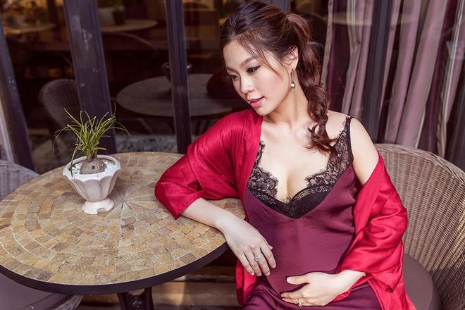 Á hậu Diễm Trang khoe vẻ gợi cảm trước ngày sinh nở - Ảnh 8.