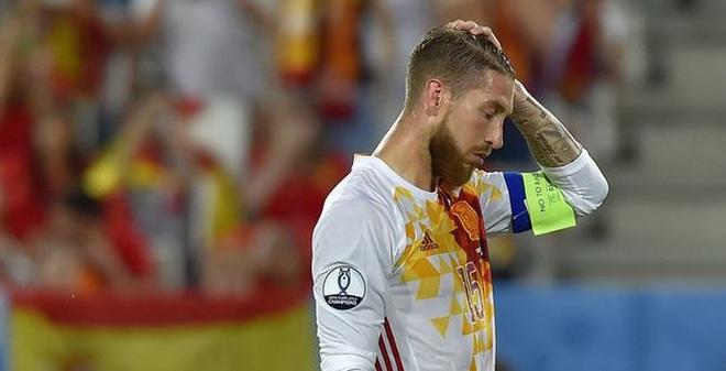 """Ramos nói gì khi biết mình thua bởi tay """"đồng đội""""?"""
