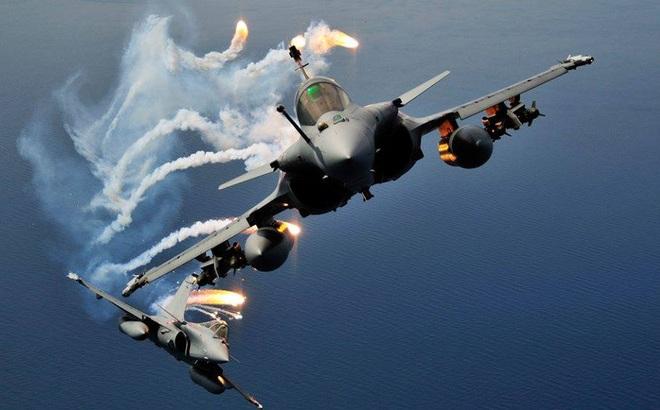Không ngờ phi công Pháp bức bối vì tiêm kích đa năng Rafale: Giọt nước sắp tràn ly?
