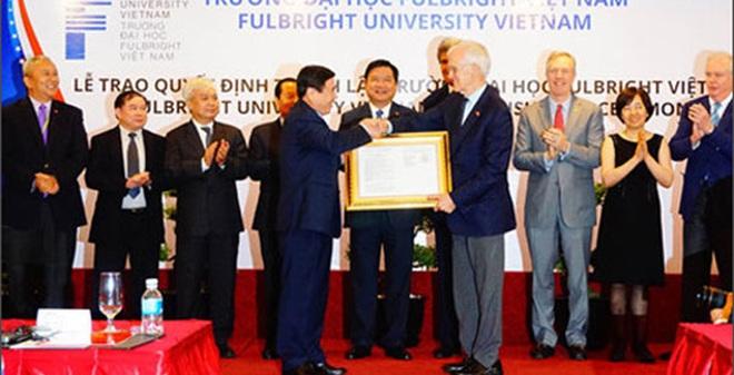 Vì sao ông Bob Kerrey được chọn làm lãnh đạo ĐH Fulbright ở Việt Nam?