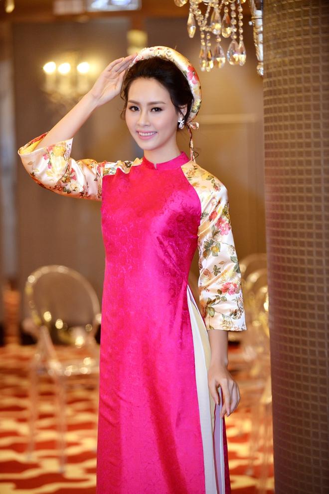 Hoa hậu Biển Thùy Trang gây chú ý vì ngày càng xinh đẹp - Ảnh 2.