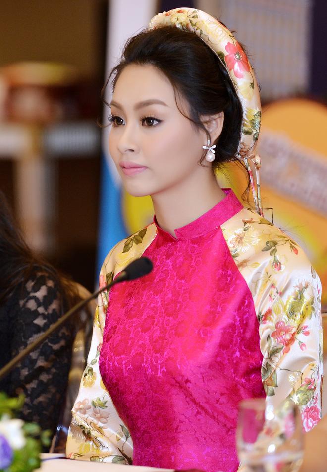 Hoa hậu Biển Thùy Trang gây chú ý vì ngày càng xinh đẹp - Ảnh 9.