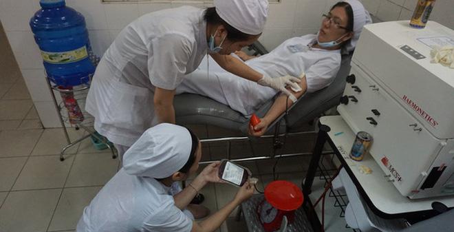 Y, bác sĩ hiến máu khẩn cấp, cứu sống một sản phụ