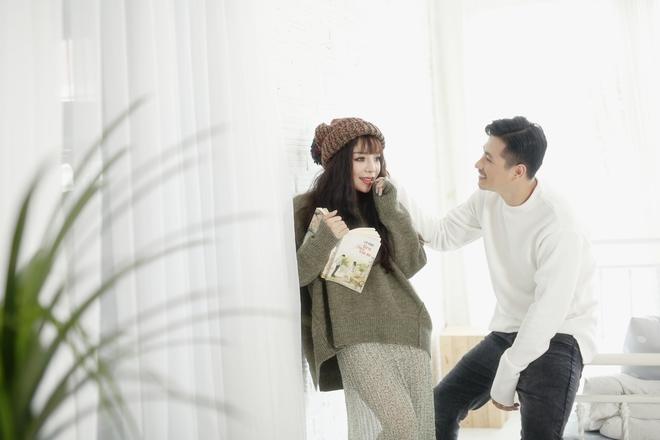 Minh Chuyên xinh đẹp bất ngờ, tình tứ bên trai lạ - Ảnh 3.